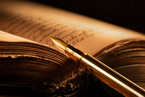 Chi scrive e chi legge Istock11