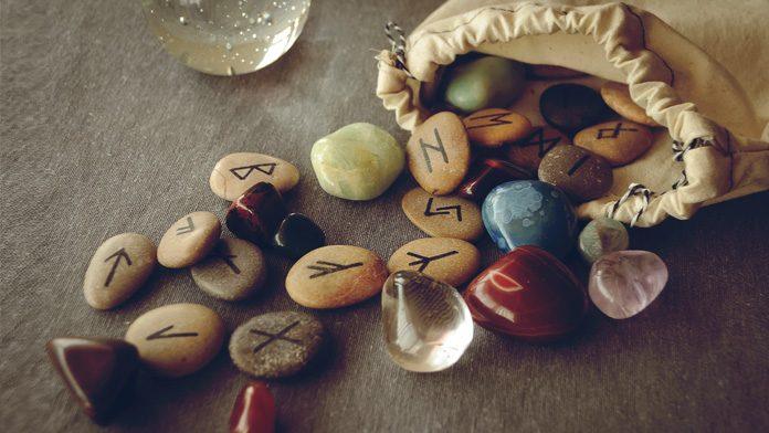 Le rune, grande lascito di Odino Rune-610