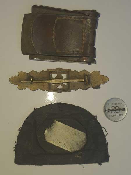Souvenirs de guerre 2eme DB : Insignes allemands NSKK et Vichy Clot_i11