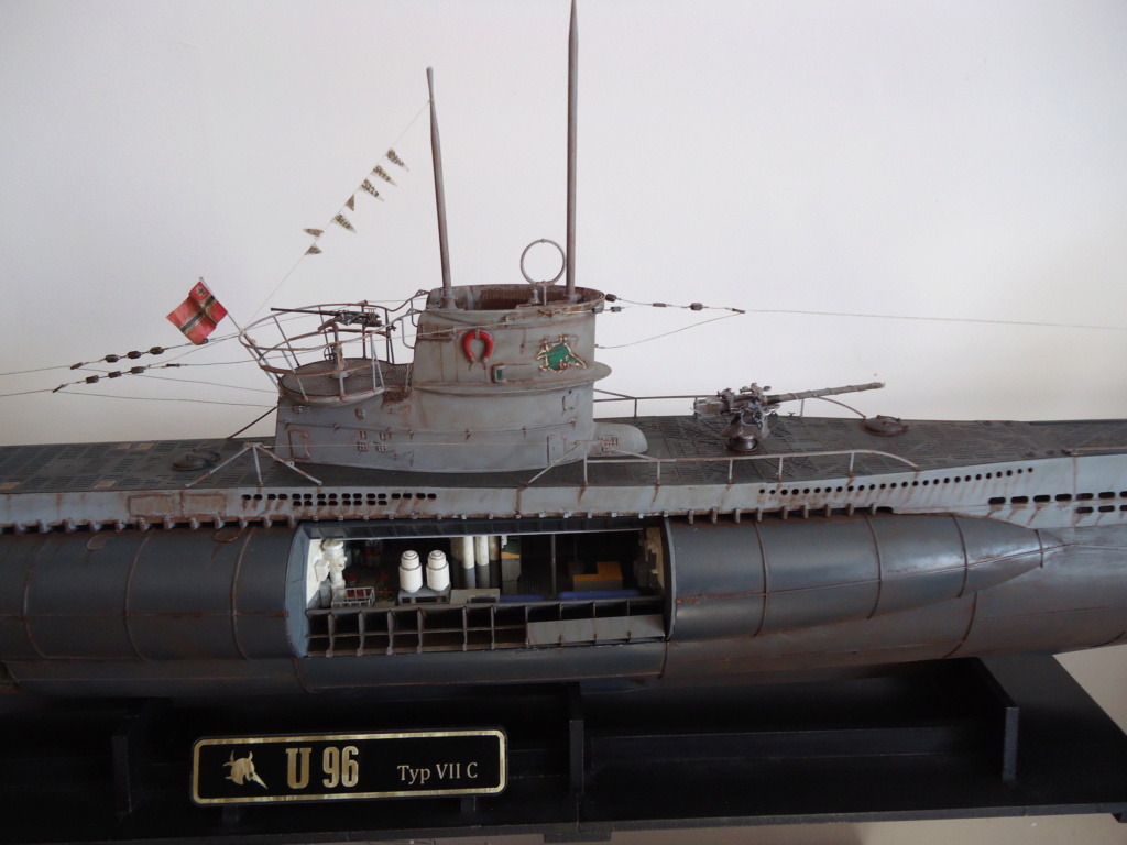 U boat U 96 un sous-marin - Page 3 Dsc01292