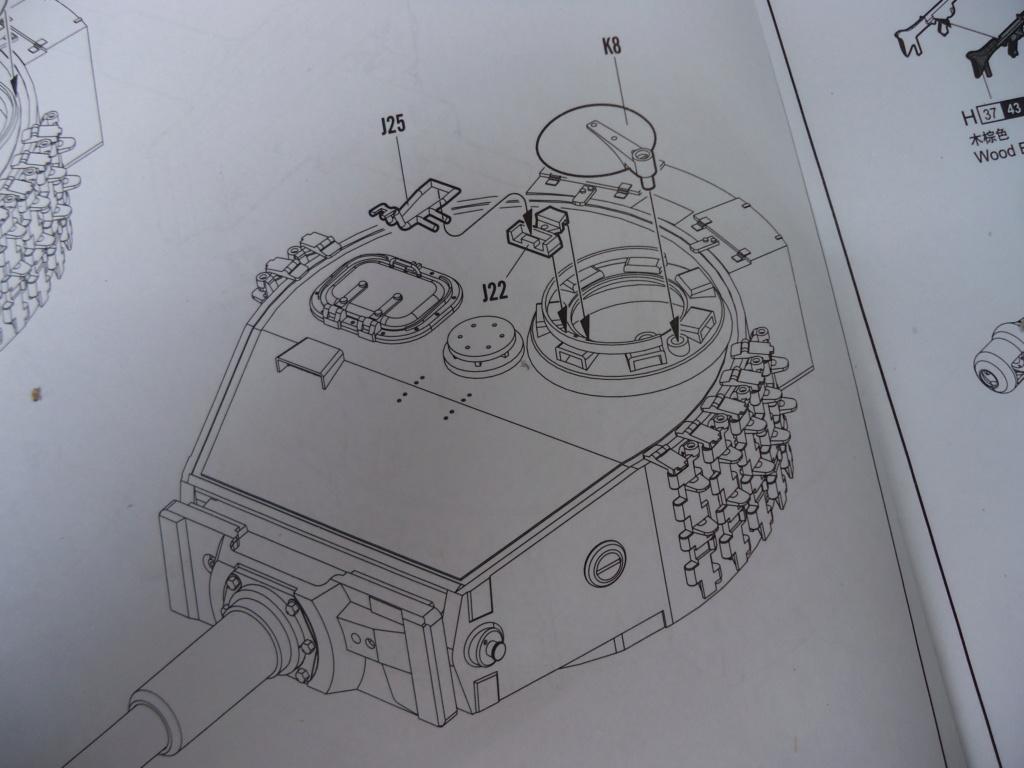 Le Panzerkampfwagen VI Tiger Ausf. E de Hobby Boss au 1/16  Par Dan le Cévenol - Page 3 Dsc01728