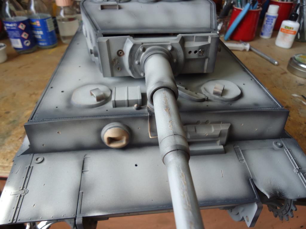 Le Panzerkampfwagen VI Tiger Ausf. E de Hobby Boss au 1/16  Par Dan le Cévenol - Page 4 Dsc01775