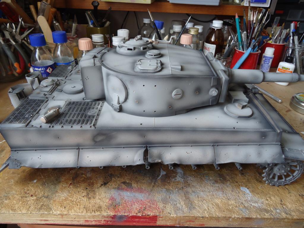 Le Panzerkampfwagen VI Tiger Ausf. E de Hobby Boss au 1/16  Par Dan le Cévenol - Page 4 Dsc01776