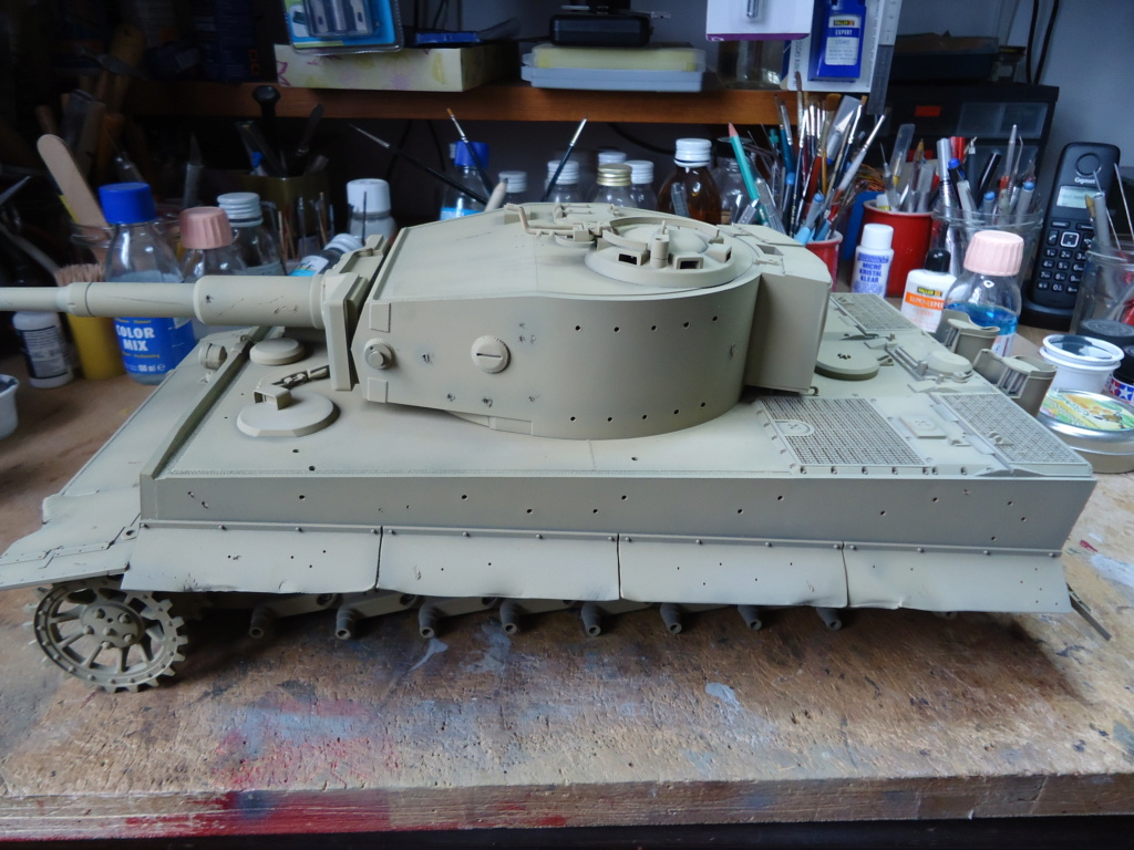Le Panzerkampfwagen VI Tiger Ausf. E de Hobby Boss au 1/16  Par Dan le Cévenol - Page 4 Dsc01781