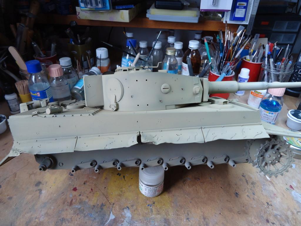 Le Panzerkampfwagen VI Tiger Ausf. E de Hobby Boss au 1/16  Par Dan le Cévenol - Page 4 Dsc01782