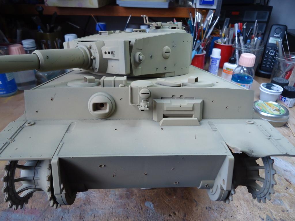 Le Panzerkampfwagen VI Tiger Ausf. E de Hobby Boss au 1/16  Par Dan le Cévenol - Page 4 Dsc01784