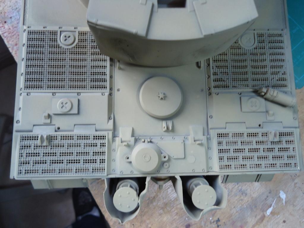 Le Panzerkampfwagen VI Tiger Ausf. E de Hobby Boss au 1/16  Par Dan le Cévenol - Page 4 Dsc01785