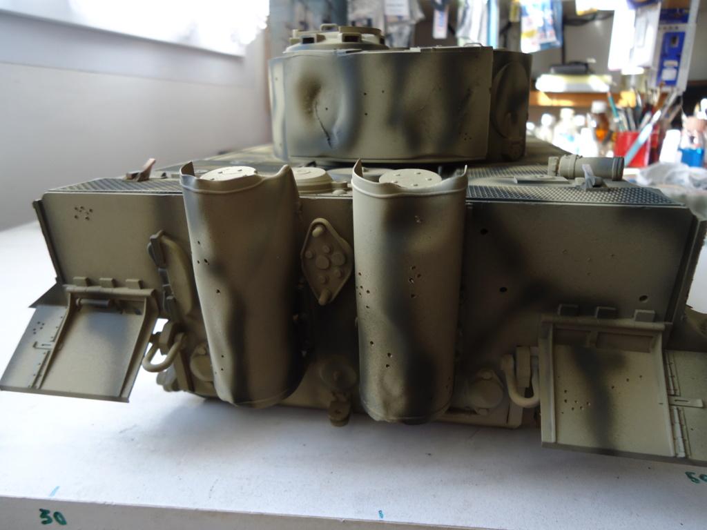 Le Panzerkampfwagen VI Tiger Ausf. E de Hobby Boss au 1/16  Par Dan le Cévenol - Page 4 Dsc01791