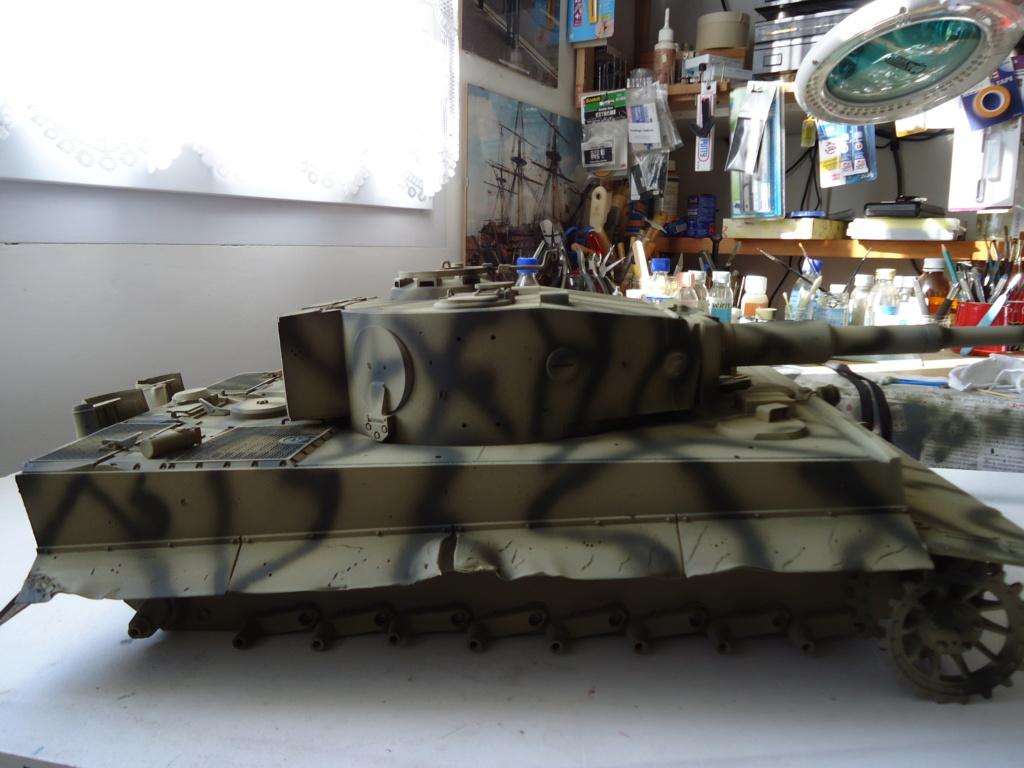 Le Panzerkampfwagen VI Tiger Ausf. E de Hobby Boss au 1/16  Par Dan le Cévenol - Page 4 Dsc01792