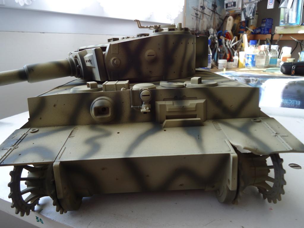 Le Panzerkampfwagen VI Tiger Ausf. E de Hobby Boss au 1/16  Par Dan le Cévenol - Page 4 Dsc01793