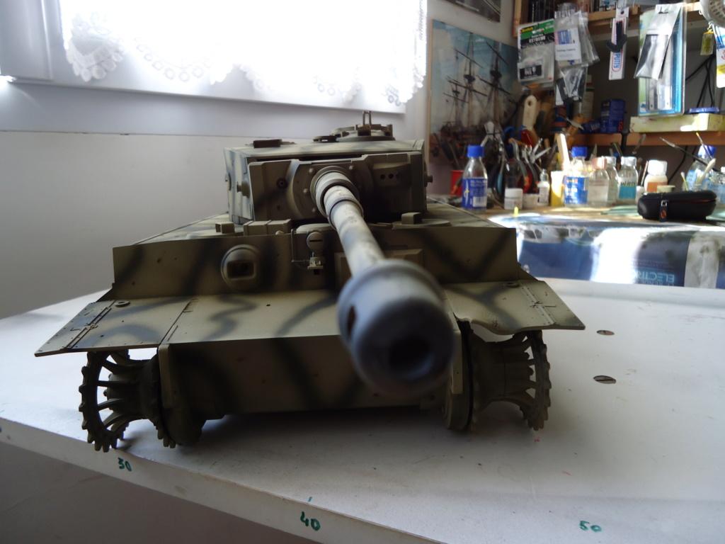 Le Panzerkampfwagen VI Tiger Ausf. E de Hobby Boss au 1/16  Par Dan le Cévenol - Page 4 Dsc01794