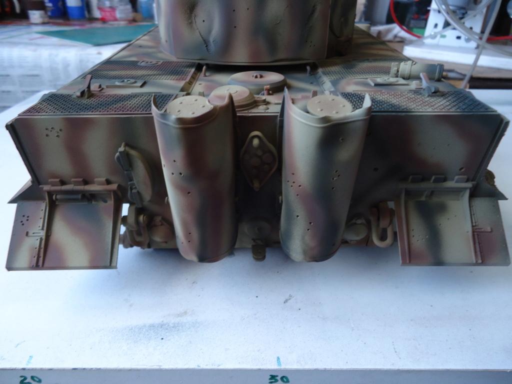 Le Panzerkampfwagen VI Tiger Ausf. E de Hobby Boss au 1/16  Par Dan le Cévenol - Page 4 Dsc01816