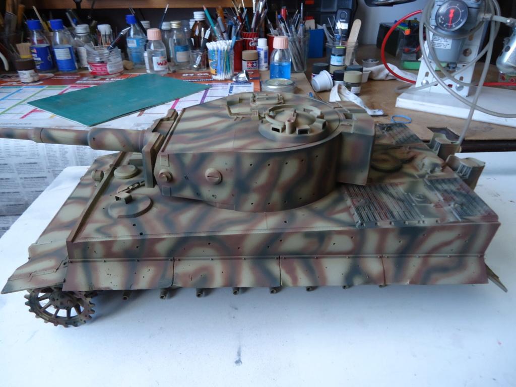 Le Panzerkampfwagen VI Tiger Ausf. E de Hobby Boss au 1/16  Par Dan le Cévenol - Page 4 Dsc01817