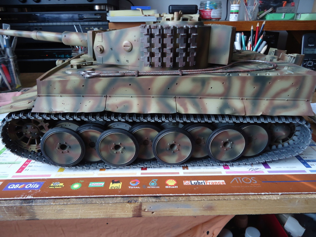 Le Panzerkampfwagen VI Tiger Ausf. E de Hobby Boss au 1/16  Par Dan le Cévenol - Page 5 Dsc01967