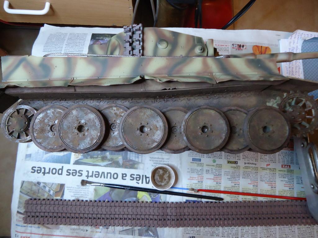Le Panzerkampfwagen VI Tiger Ausf. E de Hobby Boss au 1/16  Par Dan le Cévenol - Page 7 Dsc02047