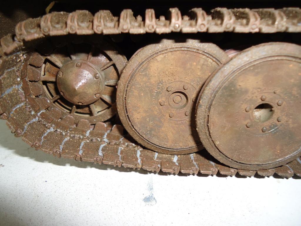 Le Panzerkampfwagen VI Tiger Ausf. E de Hobby Boss au 1/16  Par Dan le Cévenol - Page 7 Dsc02048