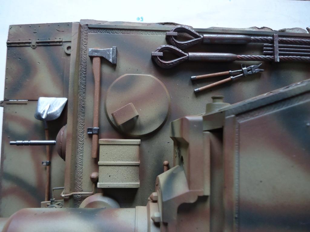 Le Panzerkampfwagen VI Tiger Ausf. E de Hobby Boss au 1/16  Par Dan le Cévenol - Page 7 Dsc02053