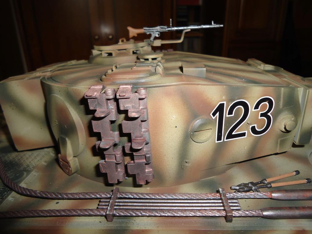 Le Panzerkampfwagen VI Tiger Ausf. E de Hobby Boss au 1/16  Par Dan le Cévenol - Page 7 Dsc02058