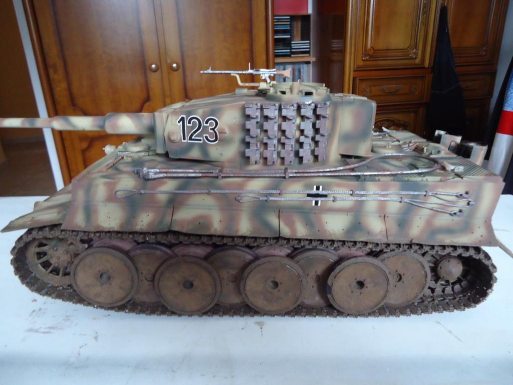 Le Panzerkampfwagen VI Tiger Ausf. E de Hobby Boss au 1/16  Par Dan le Cévenol - Page 7 Dsc02061