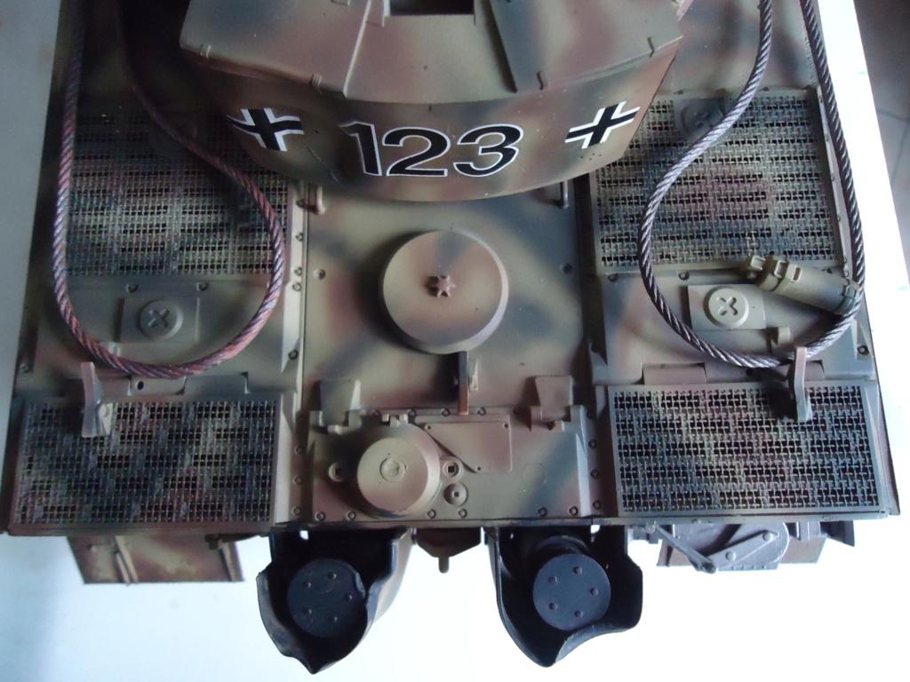 Le Panzerkampfwagen VI Tiger Ausf. E de Hobby Boss au 1/16  Par Dan le Cévenol - Page 7 Dsc02063