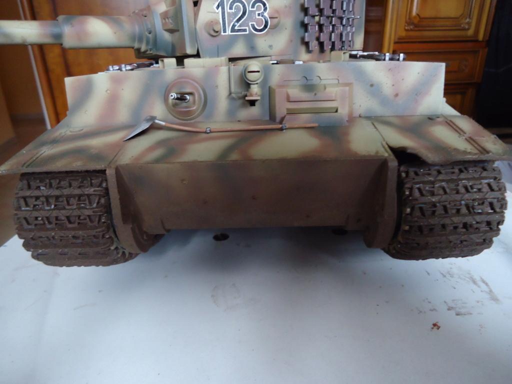 Le Panzerkampfwagen VI Tiger Ausf. E de Hobby Boss au 1/16  Par Dan le Cévenol - Page 7 Dsc02066