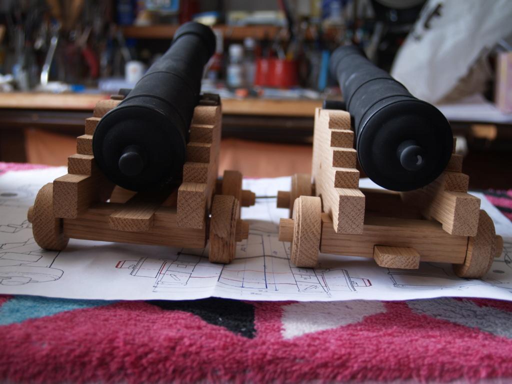 Canons pour le vaisseau de 74 canons - Page 13 P1011163