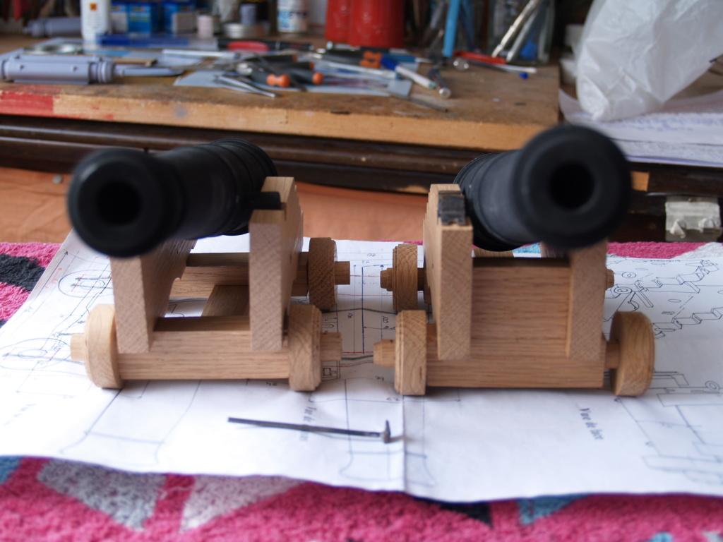 Canons pour le vaisseau de 74 canons - Page 13 P1011164