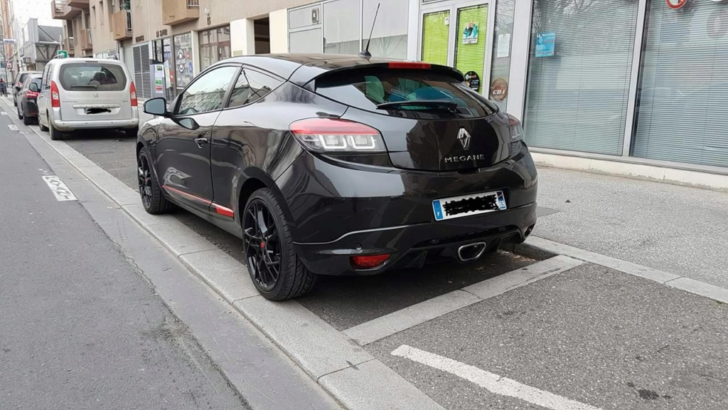 [Kanna] Laguna III. Coupé Monaco GP 2.0 dCi 180 4Control 17571010
