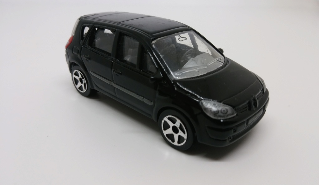 N°221D Renault Scénic II 20190383