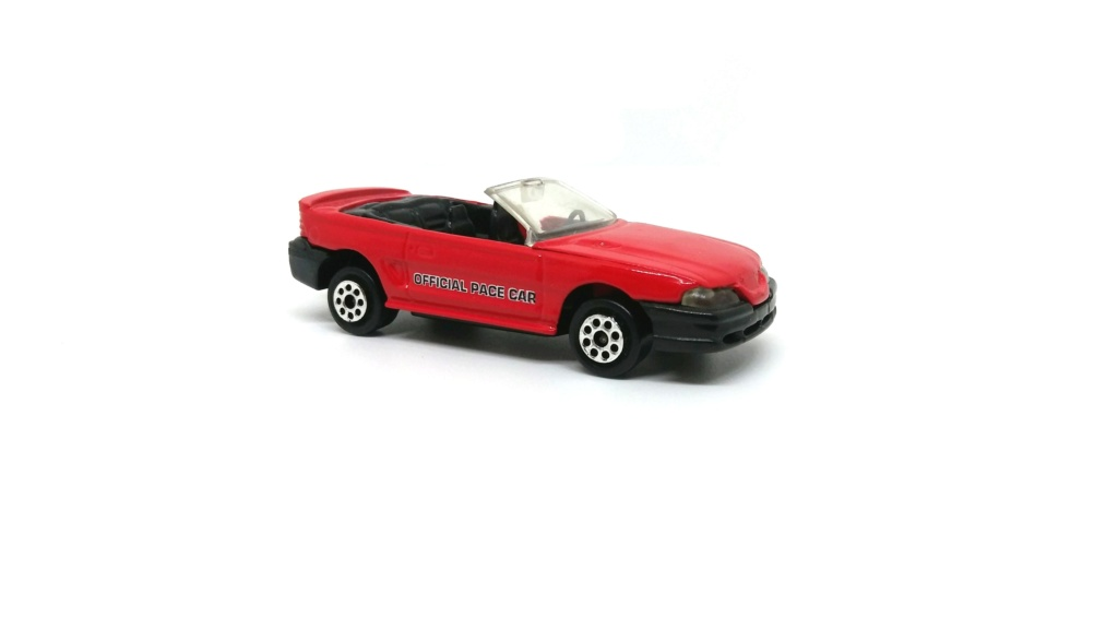 N°203 FORD MUSTANG GT CABRIOLET Ford_m24