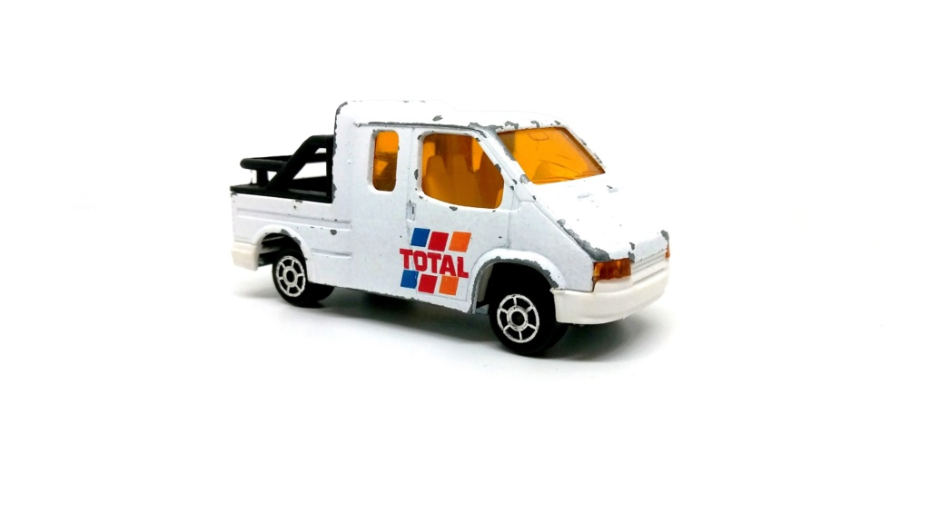N°230 - Ford Transit Custom Tow Truck Ford_t18