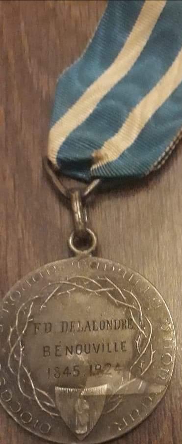 Médaille saint Louis...  Img_1246