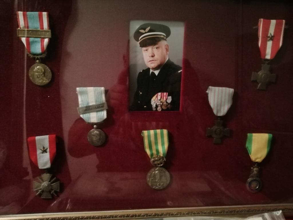 Trouvaille médailles en cadre et autres.  Img_2313