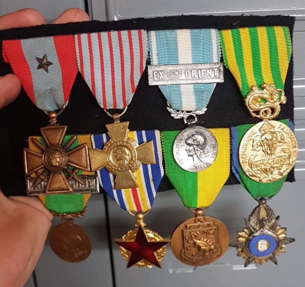 Lot  médailles.  Img_2383