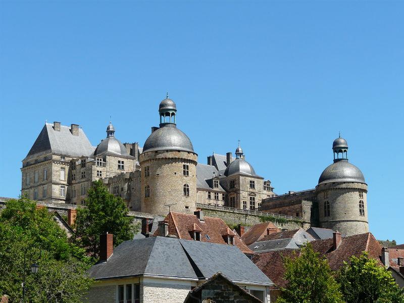 Le château de Hautefort entre histoire et cinéma 800px-10