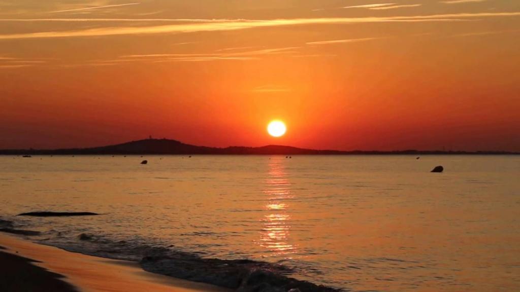 Couchers de soleil.... magnifiques !!! - Page 3 Maxres10