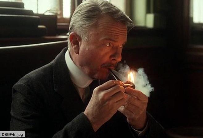 Peaky Blinders, une bonne série pour fumer la pipe !  Cheste10