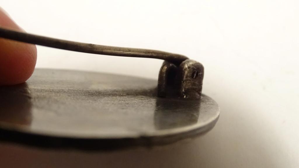 Badge casque épée Dsc02910