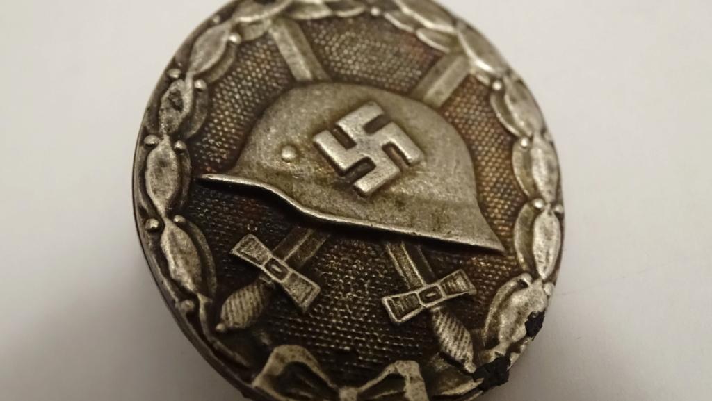 Badge casque épée Dsc02912