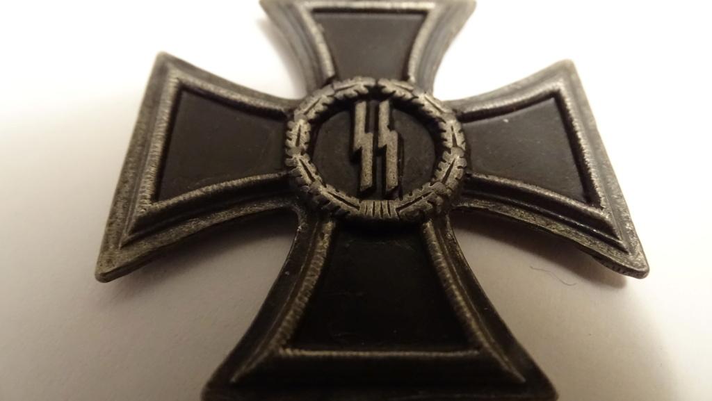 Médaille symbole ss Dsc02936