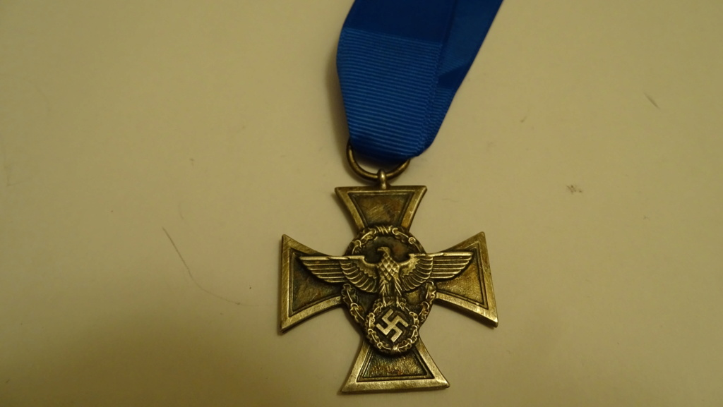 Médaille aigle + croix Dsc02937