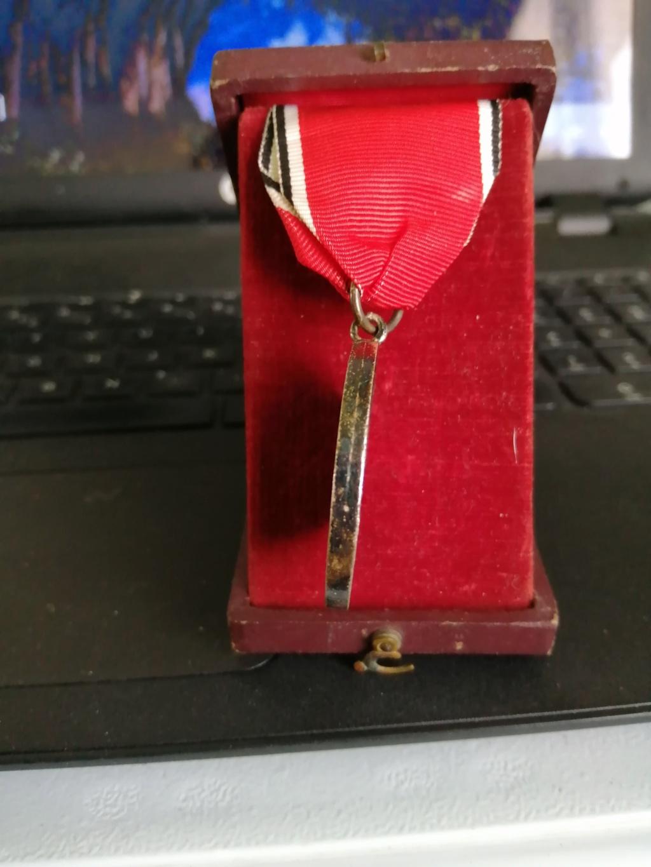 Identification et avis sur 2 médailles Img_2013