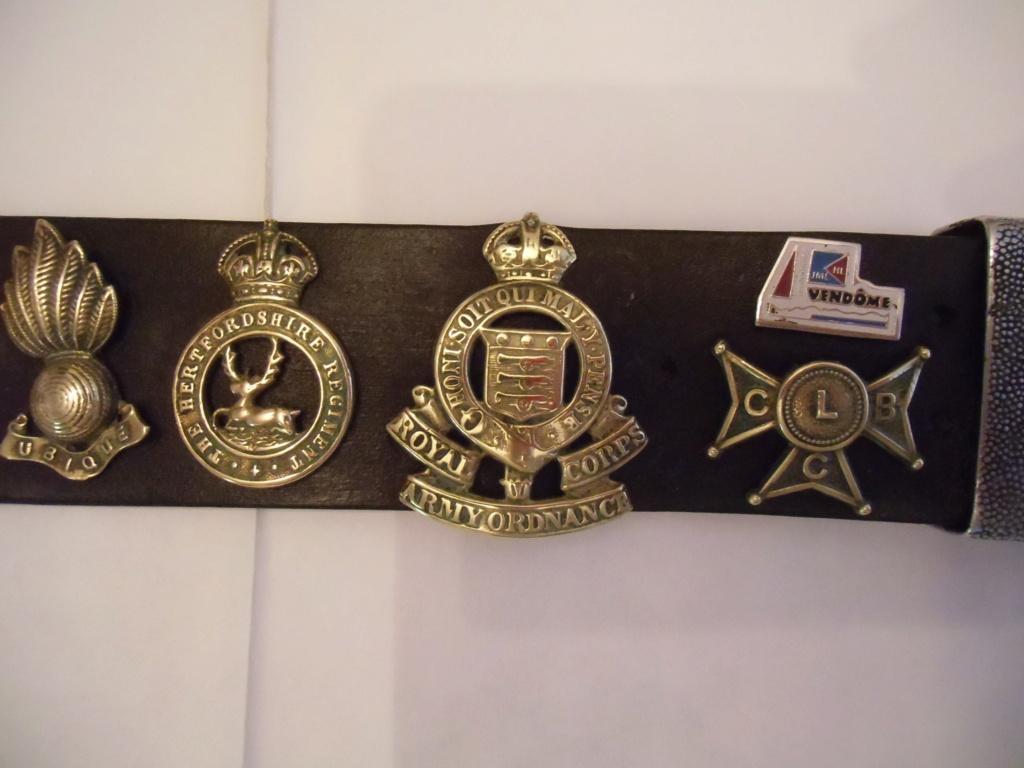 Insignes britanniques et canadiennes du débarquement Cimg0414