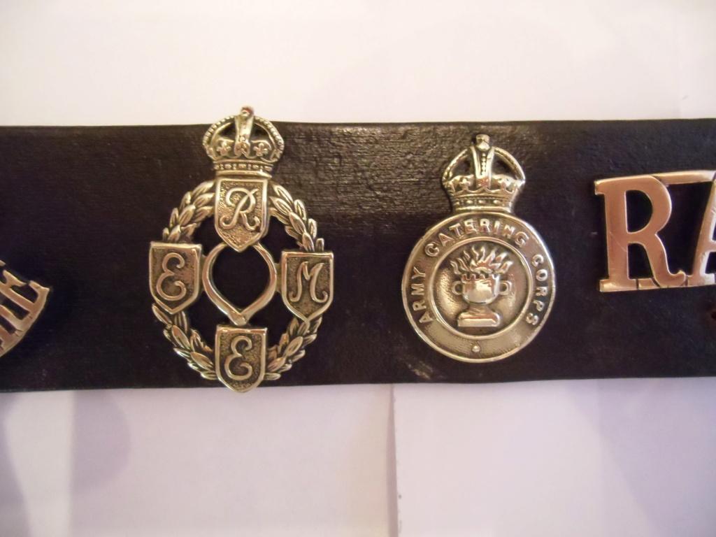 Insignes britanniques et canadiennes du débarquement Cimg0417
