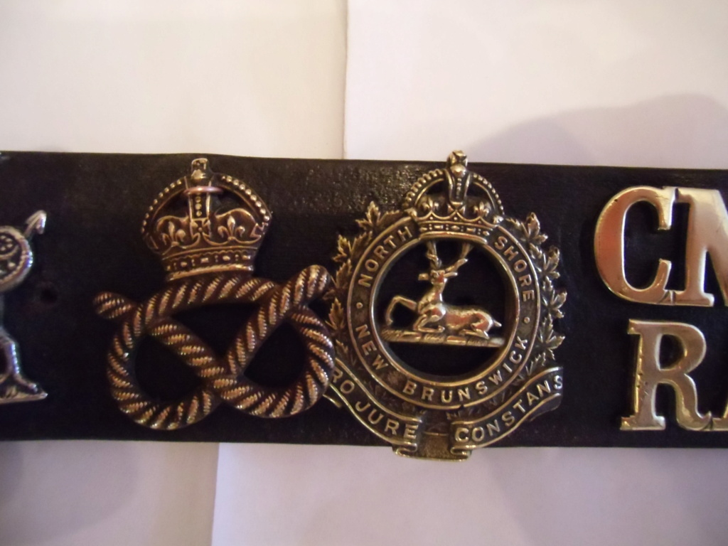 Insignes britanniques et canadiennes du débarquement Cimg0419