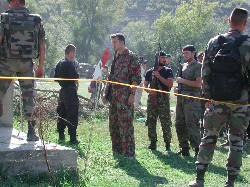 """""""Opération : étoffer"""" Tenue d'officier de l'uçk Dscn1513"""