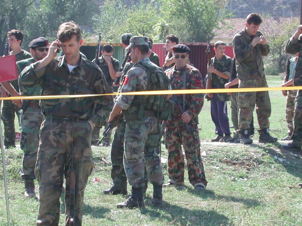 """""""Opération : étoffer"""" Tenue d'officier de l'uçk Dscn1515"""