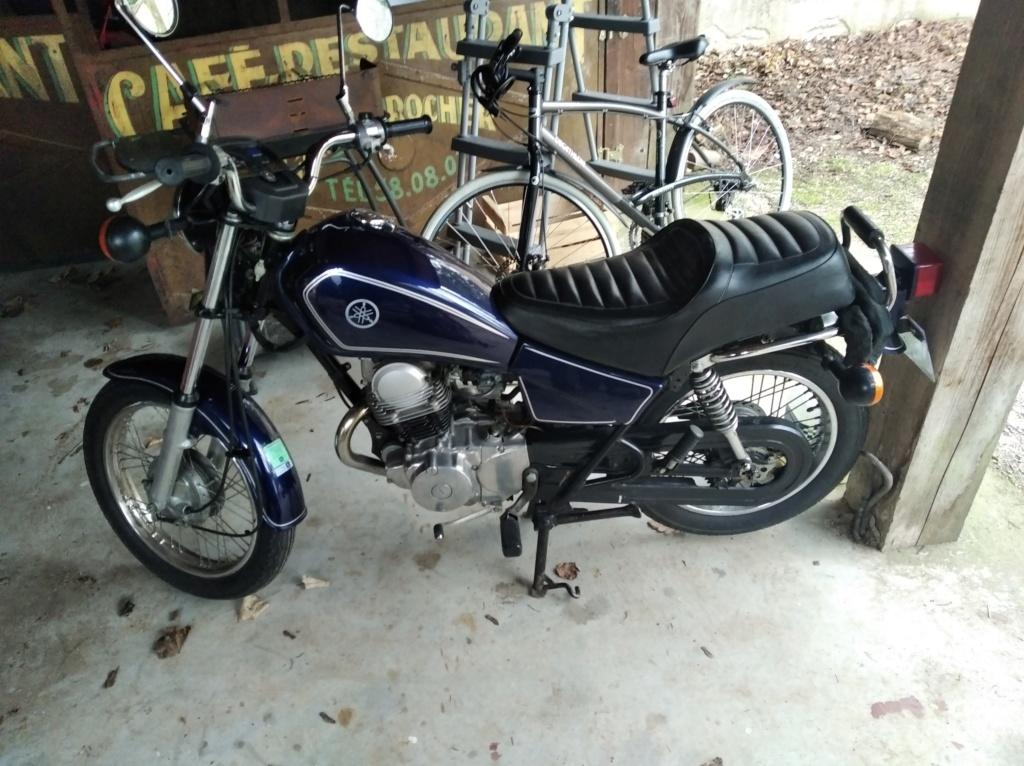 Souci concernant ma Yamaha SR 125  Img_2011