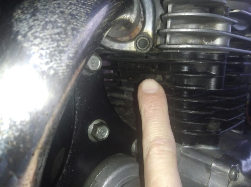 Souci concernant ma Yamaha SR 125  - Page 2 Img_2012