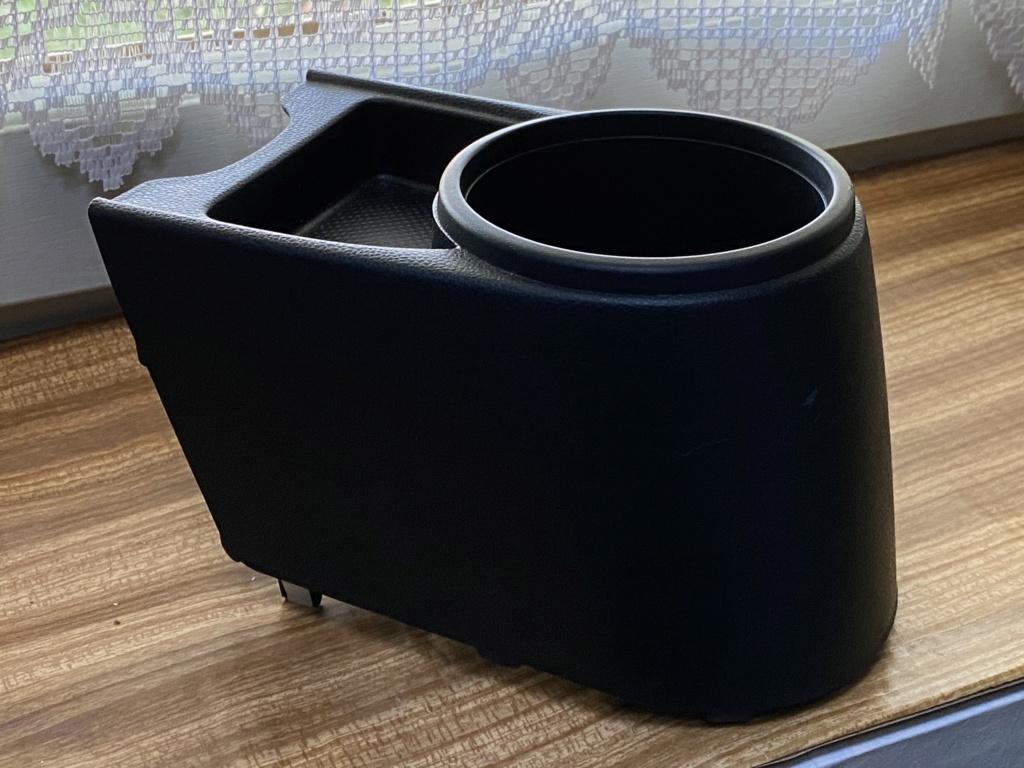 [A Vendre] Porte gobelet arrière console centrale Img_0512